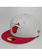 New Era Casquette Fitted Team Miami Heat Melton 59Fifty gris