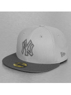 New Era Fitted Cap Diamond Basic New York Yankees grau