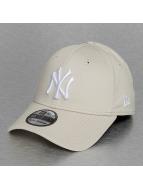 New Era Flexfitted Cap League Essential NY Yankees beige