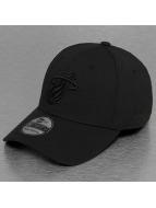 New Era Flexfitted Cap NBA Black On Black Miami Heat 39Thirty czarny