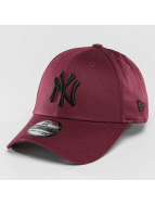 New Era Flexfitted Cap League Essential NY Yankees 39Thirty czerwony