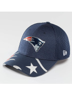 New Era Flexfitted Cap NFL Offical On Stage New England Patriots modrá
