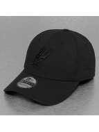 New Era Flexfitted Cap NBA Black On Black San Antonio Spurs 39Thirty schwarz