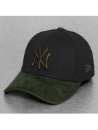 New Era Flexfitted Cap Poly Suede Mix NY Yankees zwart