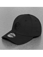 New Era Flexfitted Cap NBA Black On Black Brooklyn Nets 39Thirty zwart