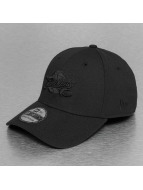 New Era Flexfitted NBA Black On Black Cleveland Cavaliers 39Thirty noir