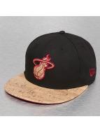 New Era Hip hop -lippikset Fitted Cork Miami Heat punainen