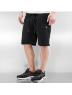 New Era shorts Team Apparel zwart