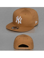 New Era Snapback MLB League Essential NY Yankees 9Fifty brun