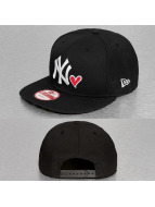 New Era Snapback Cap With Hearts NY Yankees black