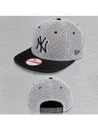 New Era Snapback Cap Nylon Mesh NY Yankees schwarz
