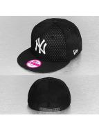 New Era Snapback Cap Layered Crown NY Yankees schwarz