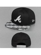 New Era Snapback Cap Digi Flag Atlanta Braves schwarz