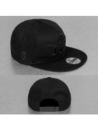 New Era snapback cap NBA Black On Black Cleveland Cavaliers 9Fifty zwart