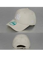 New Era Snapback Caps League Essential NY Yankees beige
