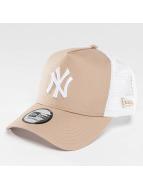 New Era Trucker MLB Essential NY Yankees beige