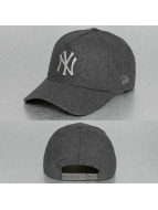 New Era Trucker Cap Melton Metal grau