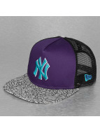 New Era Trucker Cap Elephant Hook NY Yankees violet