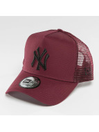 New Era Trucker Caps League Essential NY Yankees red