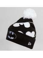 New Era Winter Bonnet Hero Over black