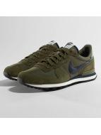 Nike Сникеры Internationalist оливковый