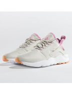 Nike Baskets Huarache Run Ultra beige