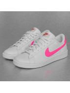 Nike Baskets WMNS Tennis Classic blanc
