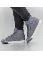 Nike Baskets Blazer Mid Premium SE gris