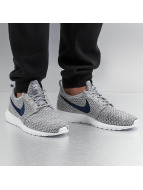 Nike Baskets Roshe NM Flyknit gris