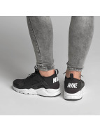 Nike Baskets Huarache Run Ultra (GS) noir