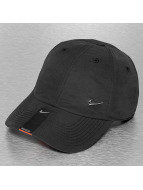 Nike Gorra Snapback Heritage 86 Metal Swoosh negro