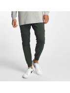 Nike joggingbroek Sportswear Tech Fleece groen