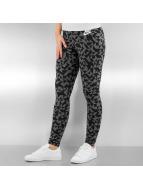 Nike Legging W NSW Club Tangrams schwarz