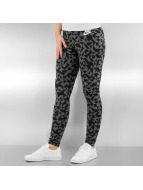Nike Legging W NSW Club Tangrams zwart