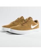 Nike SB Sneaker Check Solarsoft Skateboarding braun