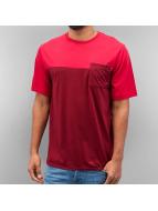 Nike SB T-skjorter Dri-Fit Blocked Pocket red