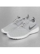 Nike Sneaker Juvenate grau