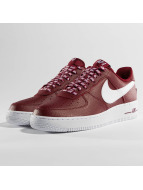 Nike Sneaker Air Force 1 07' LV8 rot