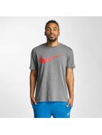 Nike T-paidat Hangtag Swoosh harmaa