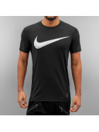 Nike T-paidat NP CL Fitted Swoosh musta