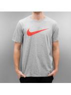 Nike T-Shirt Dry Swoosh HTR grau
