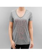 Nike t-shirt W NK DRY grijs