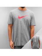 Nike t-shirt NSW TB Air Hybrid Totem grijs
