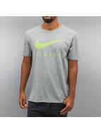 Nike T-Shirt Blend Mesh Swoosh Athlete Training gris
