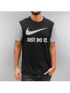 Nike T-Shirt NSW Hrngbn JDI Swoosh noir