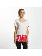 Nike t-shirt Sportswear AV15 rood