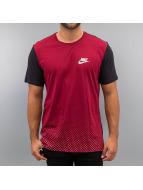 Nike T-Shirt Sportswear Advance 15 rot