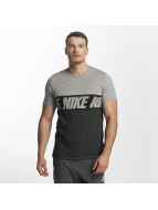 Nike T-Shirt AV15 Black Repeat schwarz