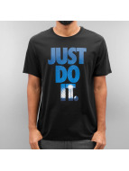Nike t-shirt NSW Just Do It Photo zwart