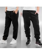 OnePiece Спортивные брюки Out Basic черный